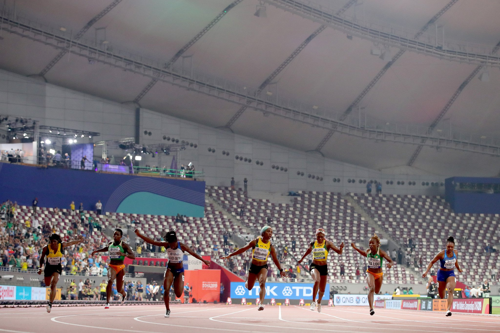 Shelly-Ann+Fraser-Pryce+empty+seats+100m